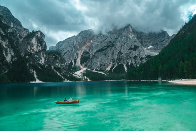 Italy Pictures & Images, Nature, Wallpaper, Blue Water, Boat, Mountain