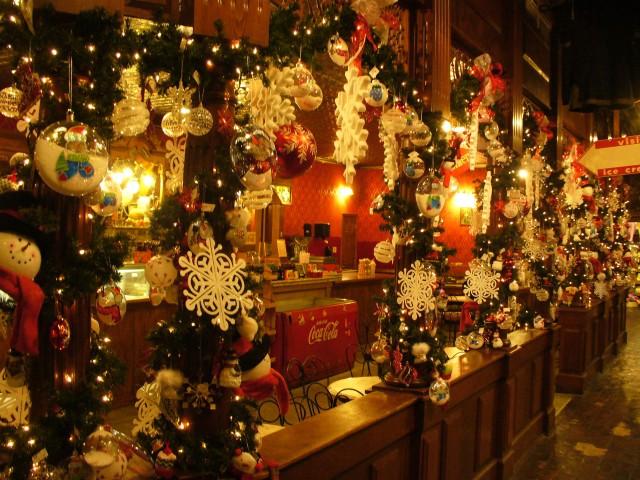 christmas light decorations, Christmas Aesthetic Wallpapers, christmas light