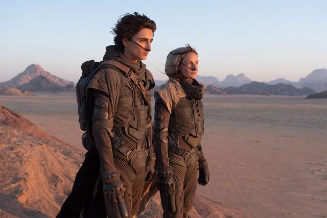 Rebecca Ferguson & Timothee Chalamet Dune 2021 Wallpaper